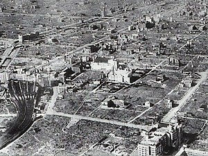 空襲後の大阪市街